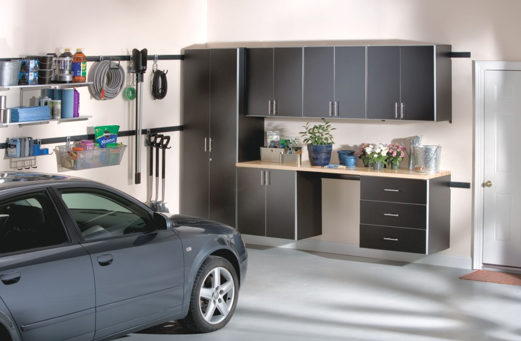 Organized Garage 1024x672 Keeping your garage organized: A few tips to help you